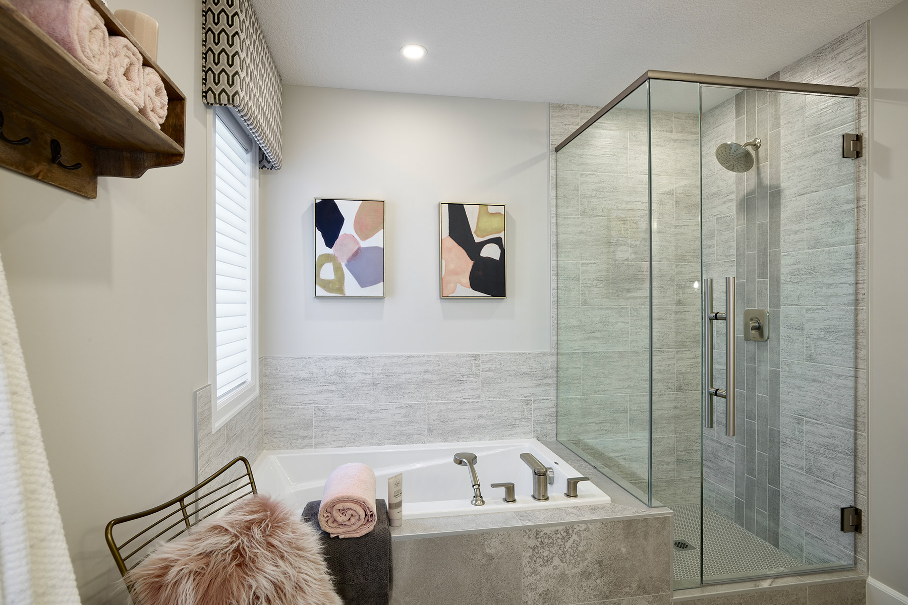 Palliser Plan Bathroom_Master Bath at Yorkville in Calgary Alberta by Mattamy Homes