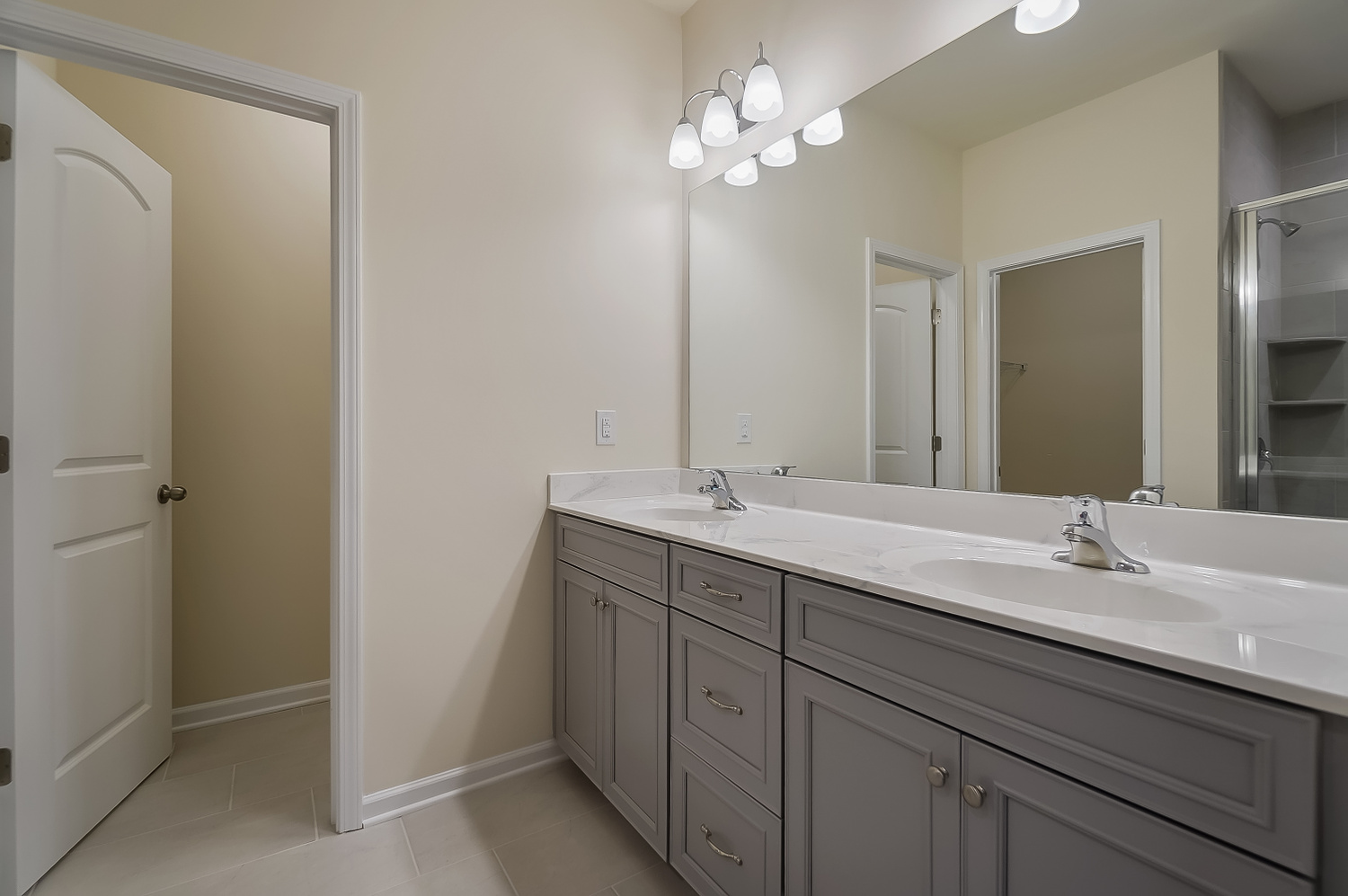 Caroline Plan Bathroom_Master Bath at Braeburn in Indian Trail North Carolina by Mattamy Homes
