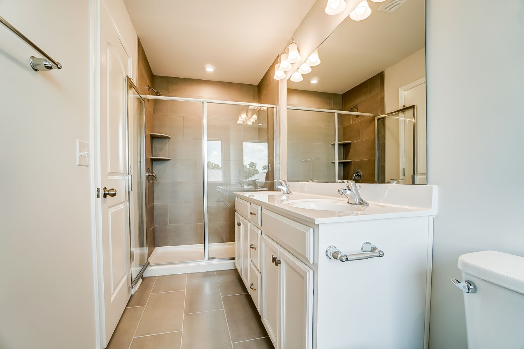 Brooke Plan Bathroom_Master Bath at Galloway Park in Charlotte North Carolina by Mattamy Homes