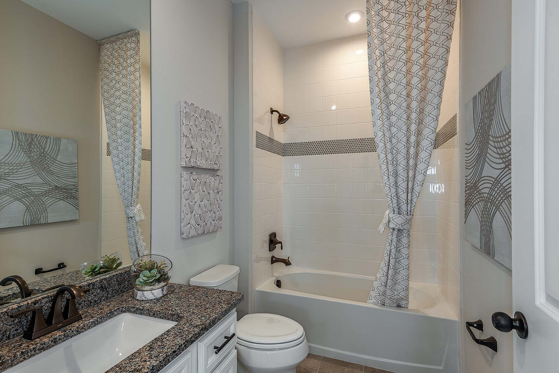 Largo Plan Bath at Bonavie Cove in Fort Myers Florida by Mattamy Homes