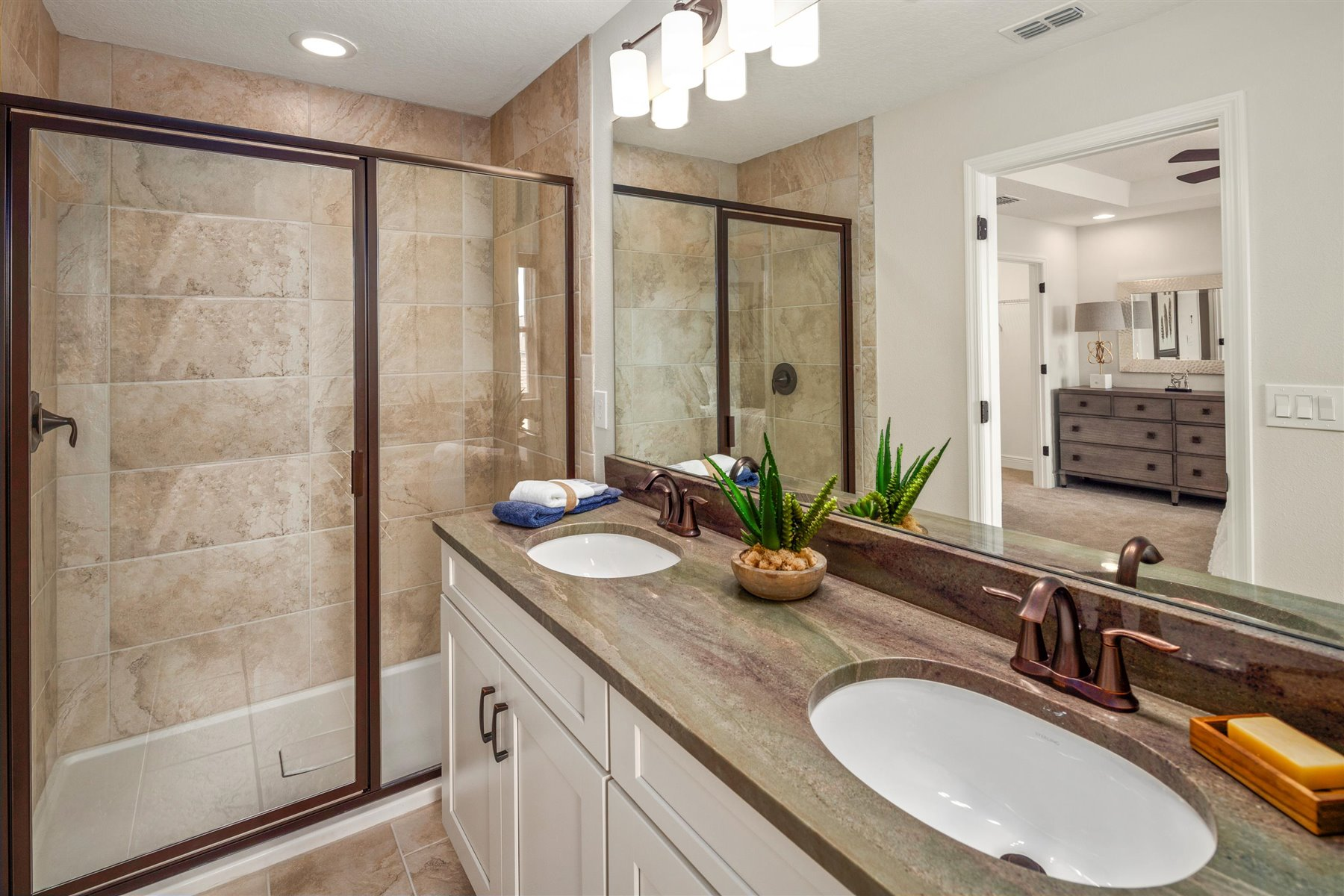 Arcadia Plan Bathroom_Master Bath at Hawksmoor in Winter Garden Florida by Mattamy Homes