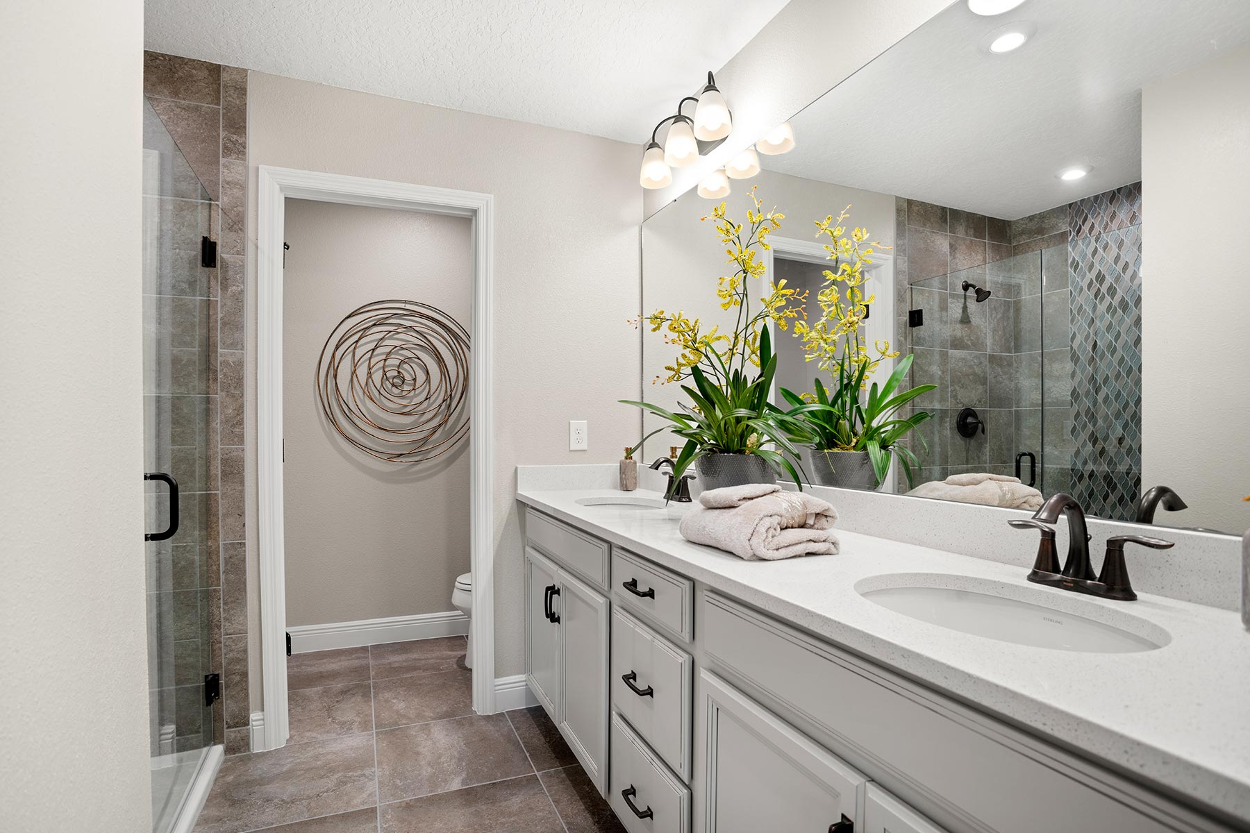 Amber Plan Bathroom_Master Bath at Legado in Windermere Florida by Mattamy Homes