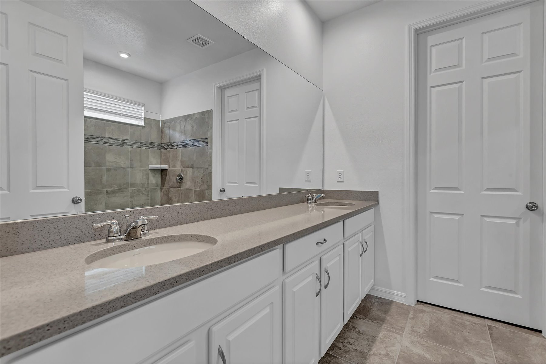 Malibu II Plan Bathroom_Master Bath at Solara Resort in Kissimmee Florida by Mattamy Homes
