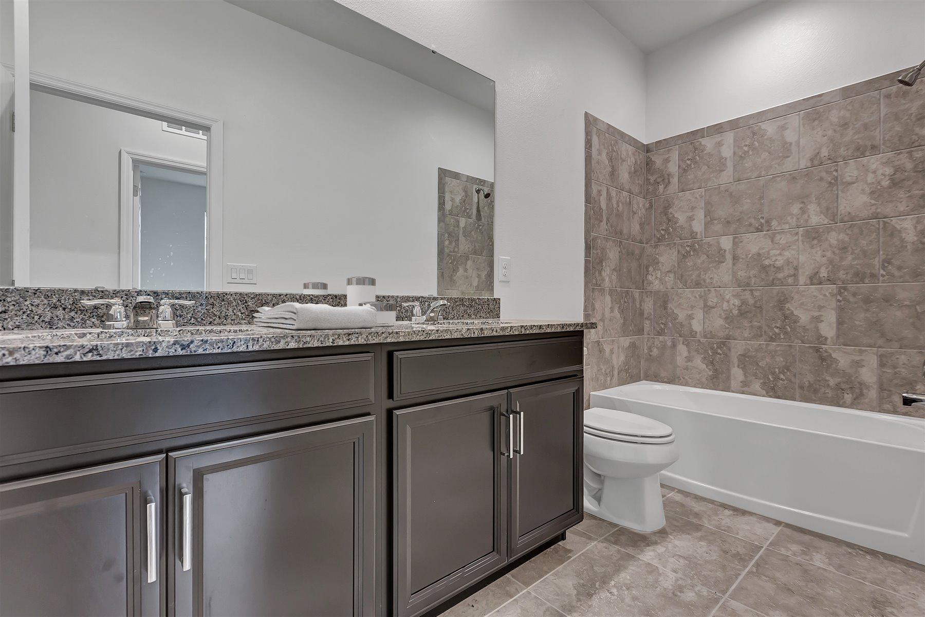 Emma Plan Bath at Waterbrooke in Clermont Florida by Mattamy Homes