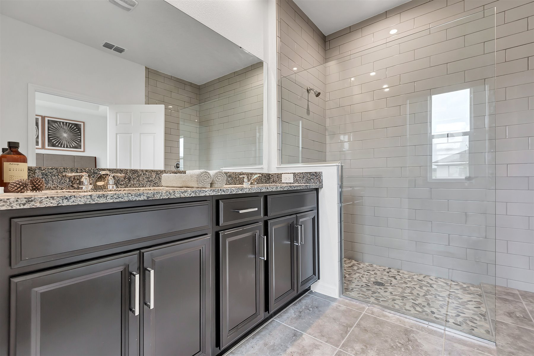 Emma Plan Bathroom_Master Bath at Waterbrooke in Clermont Florida by Mattamy Homes