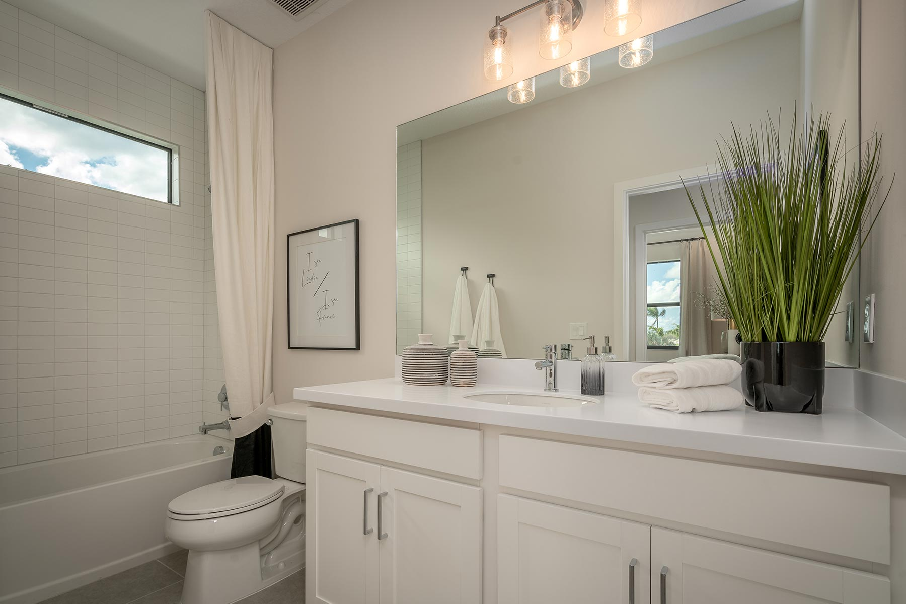 Ellery Plan Bath at Saddlewood in Lake Worth Florida by Mattamy Homes
