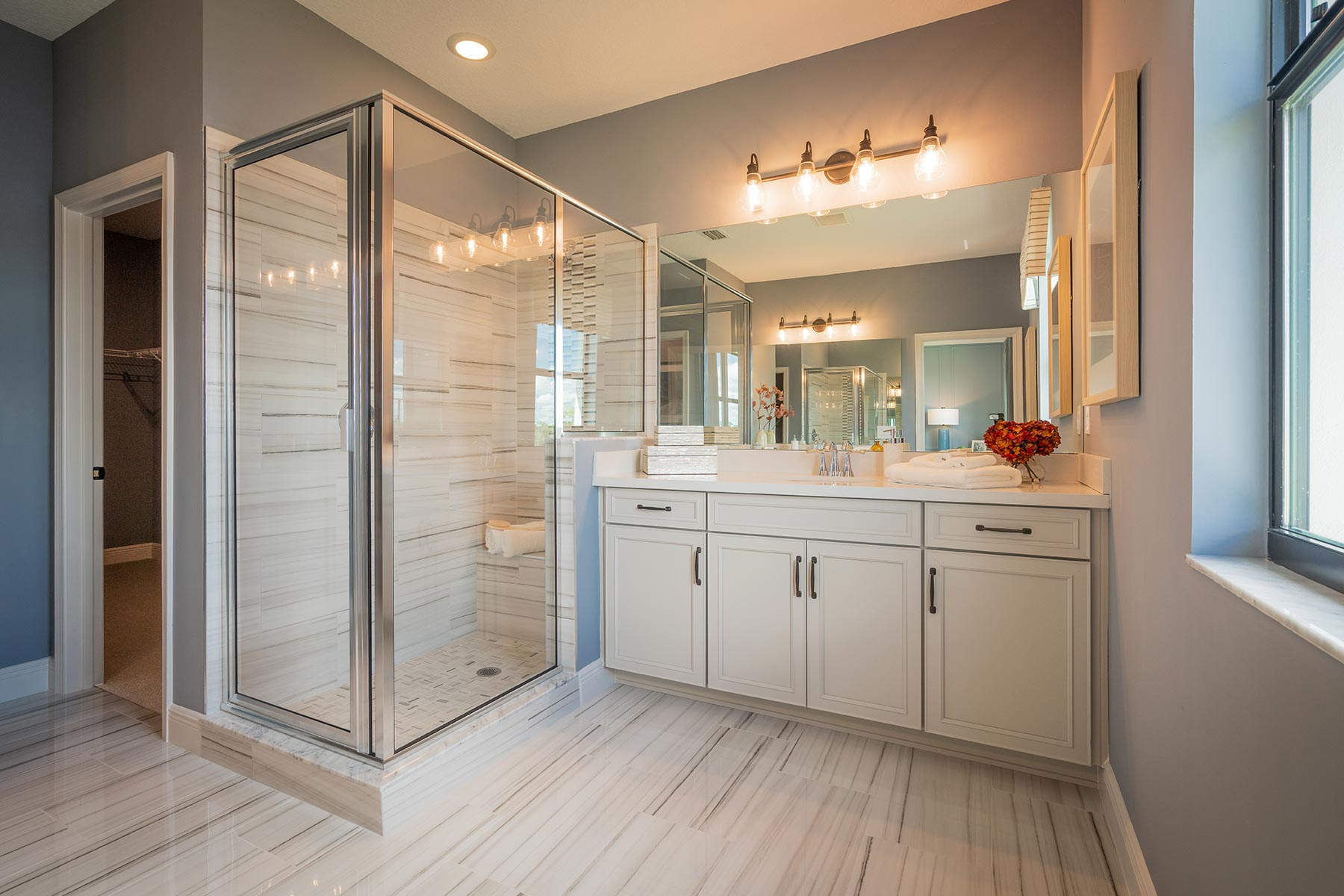 Oakley Plan Bathroom_Master Bath at Saddlewood in Lake Worth Florida by Mattamy Homes