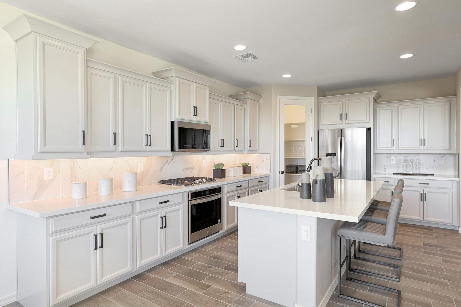 Bellwood Plan Kitchen at Azure Canyon in Goodyear Arizona by Mattamy Homes