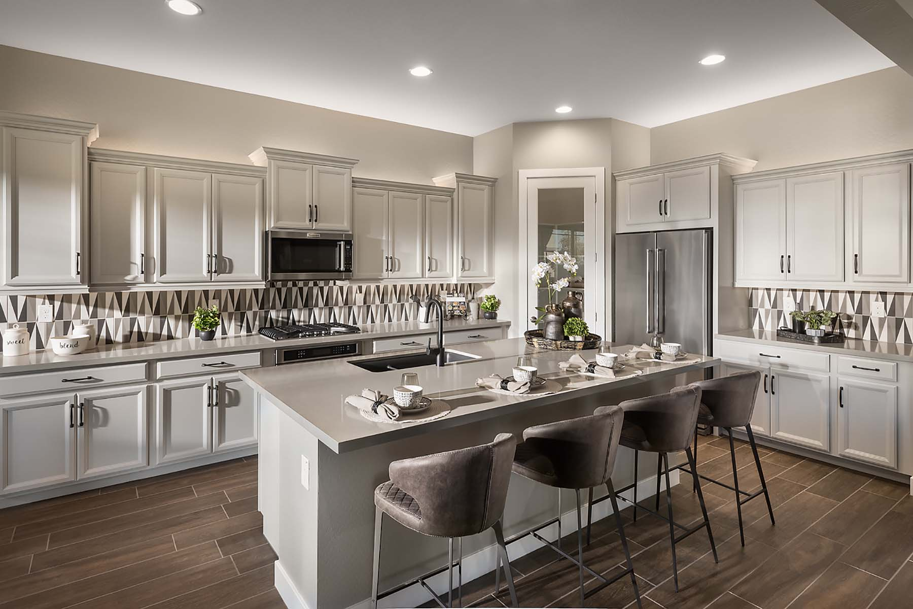 Bellwood Plan Kitchen at Vista Diamante at Camelback Ranch in Phoenix Arizona by Mattamy Homes