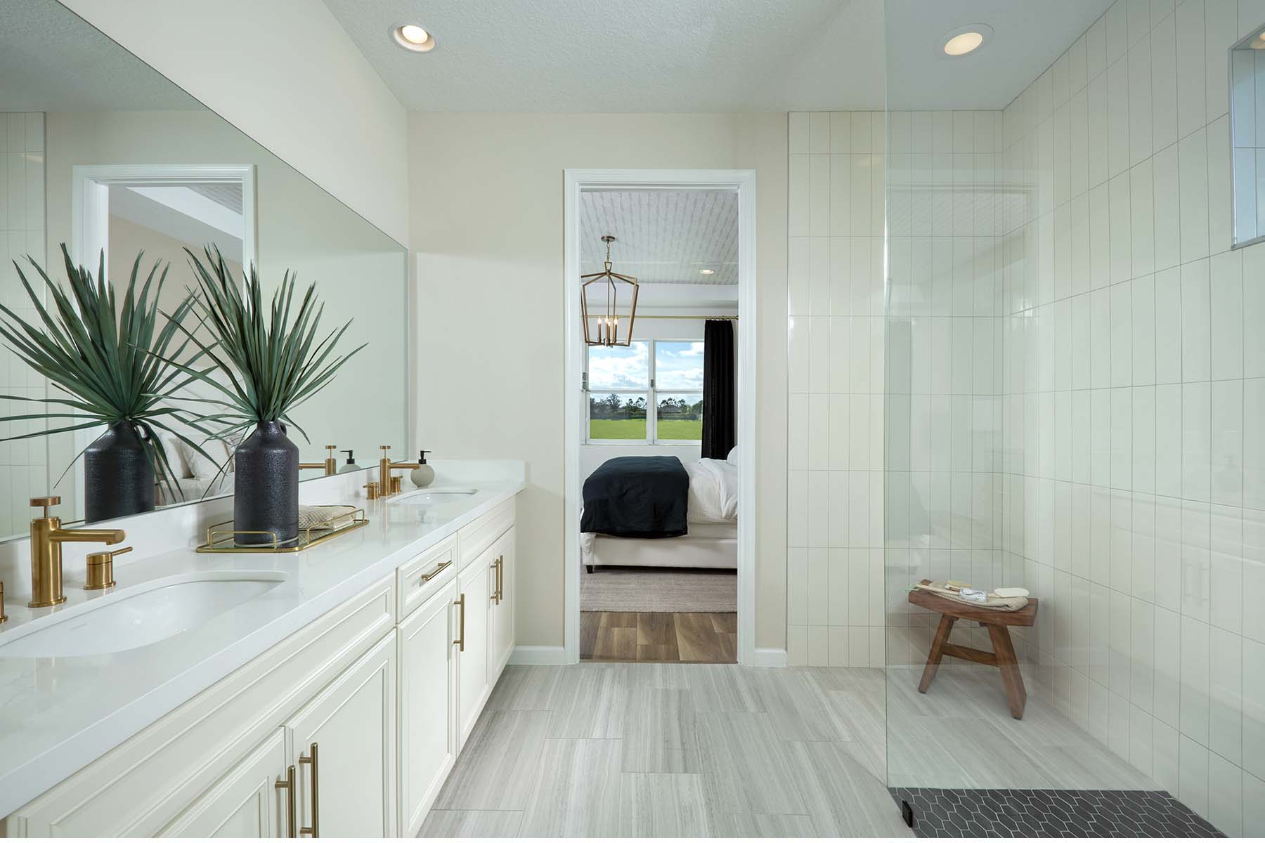 Dahlia Plan Bathroom_Master Bath at Tradition - Manderlie in Port St. Lucie Florida by Mattamy Homes