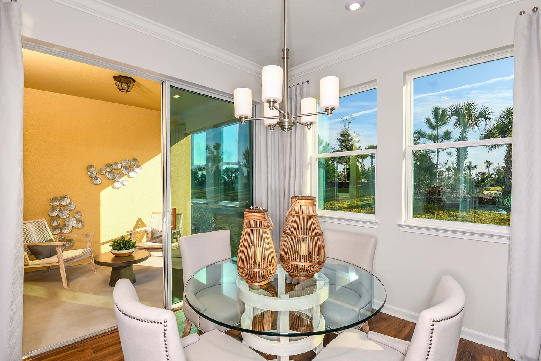 Driftwood II End Plan Dining at Harmony at Lakewood Ranch in Lakewood Ranch Florida by Mattamy Homes