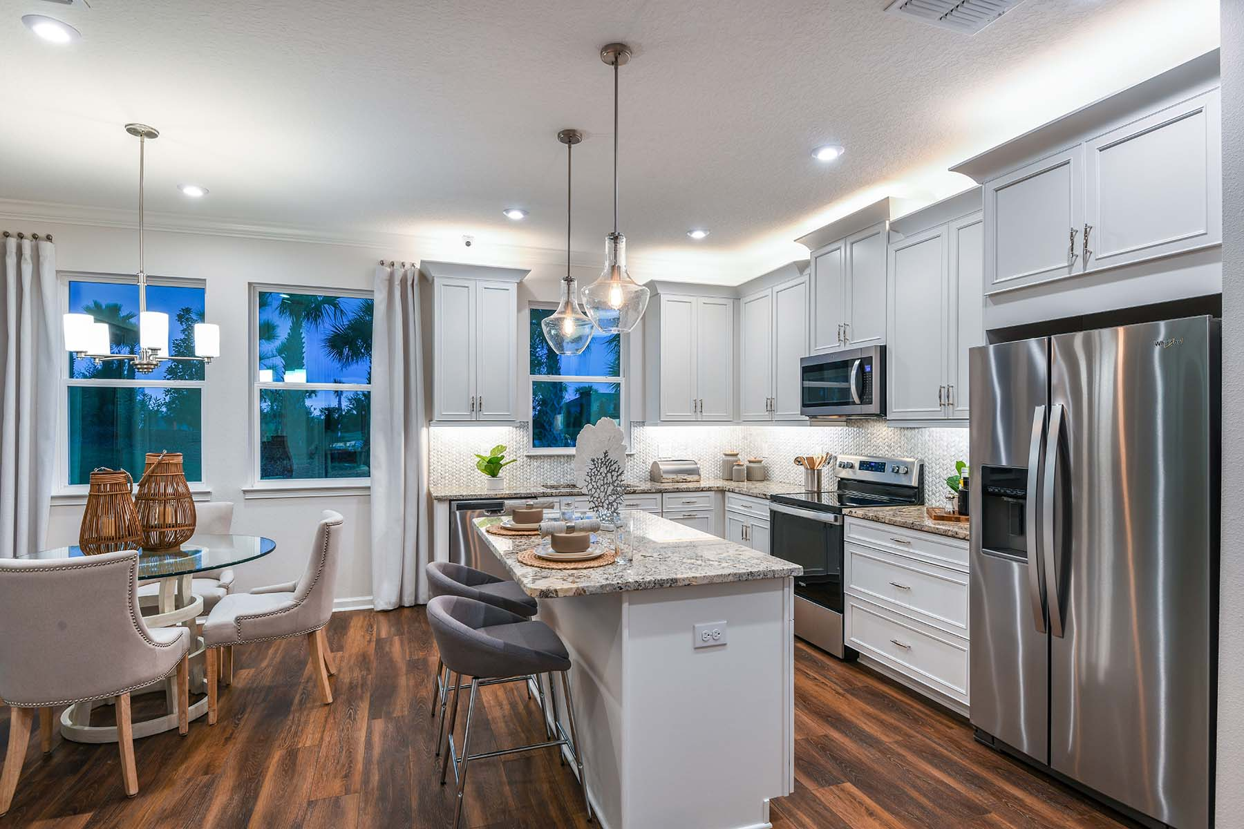 Driftwood II End Plan Kitchen at Harmony at Lakewood Ranch in Lakewood Ranch Florida by Mattamy Homes