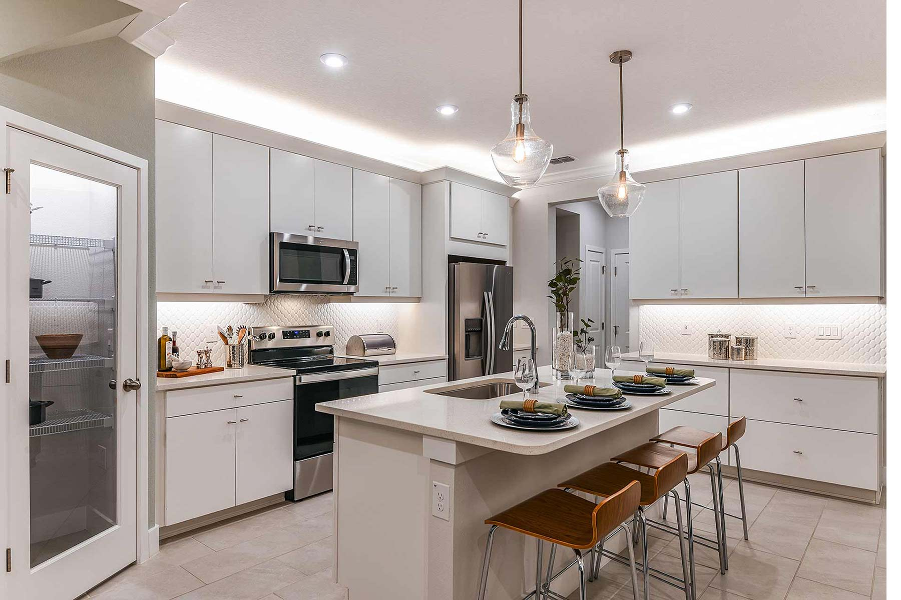 Citron Grove Kitchen in Citrus Park Florida by Mattamy Homes