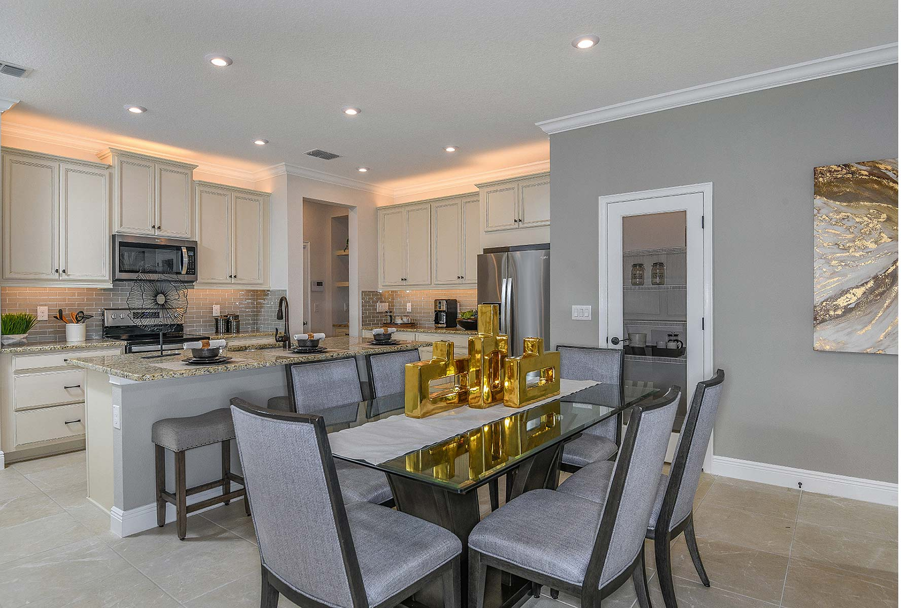 Ormond Plan Dining at Volanti in Wesley Chapel Florida by Mattamy Homes