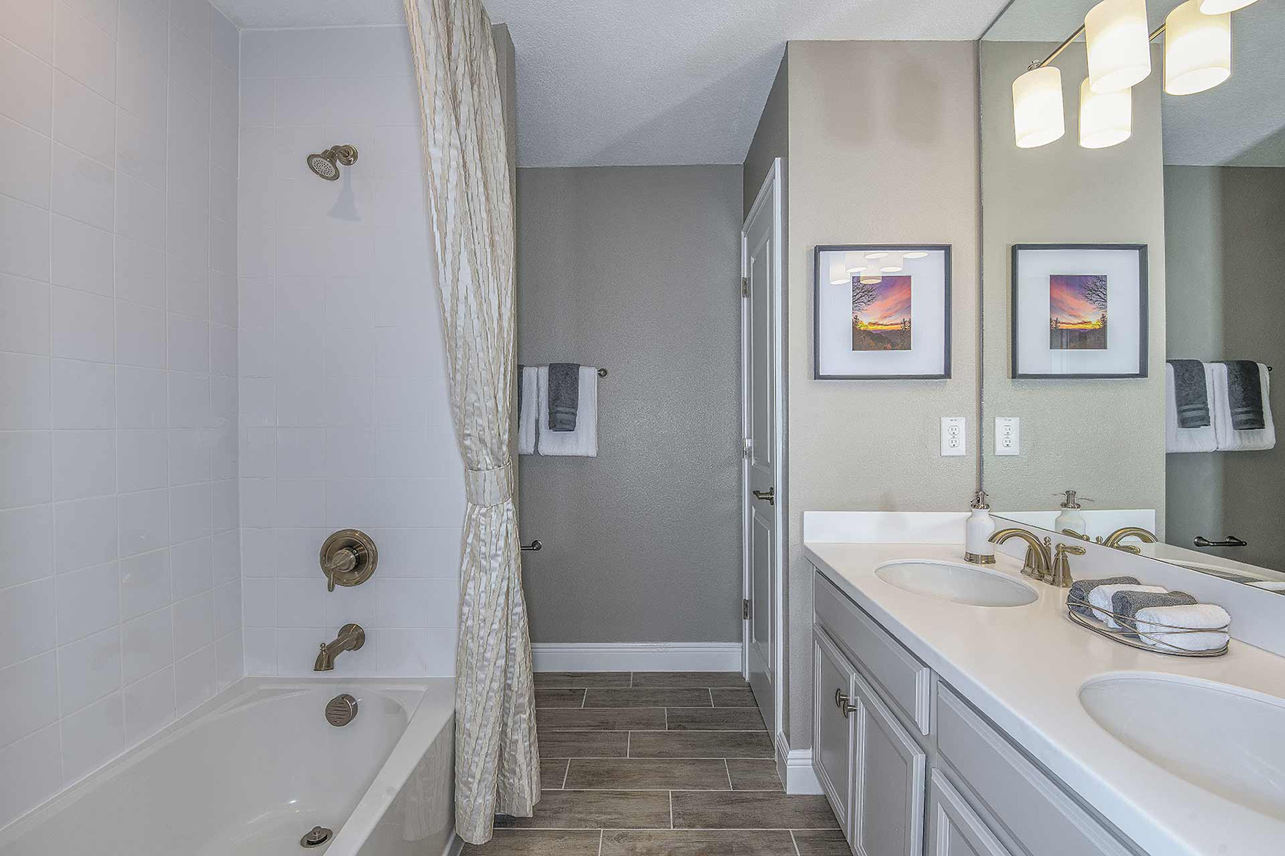Sebring Plan Bath at Avea Pointe in Lutz Florida by Mattamy Homes
