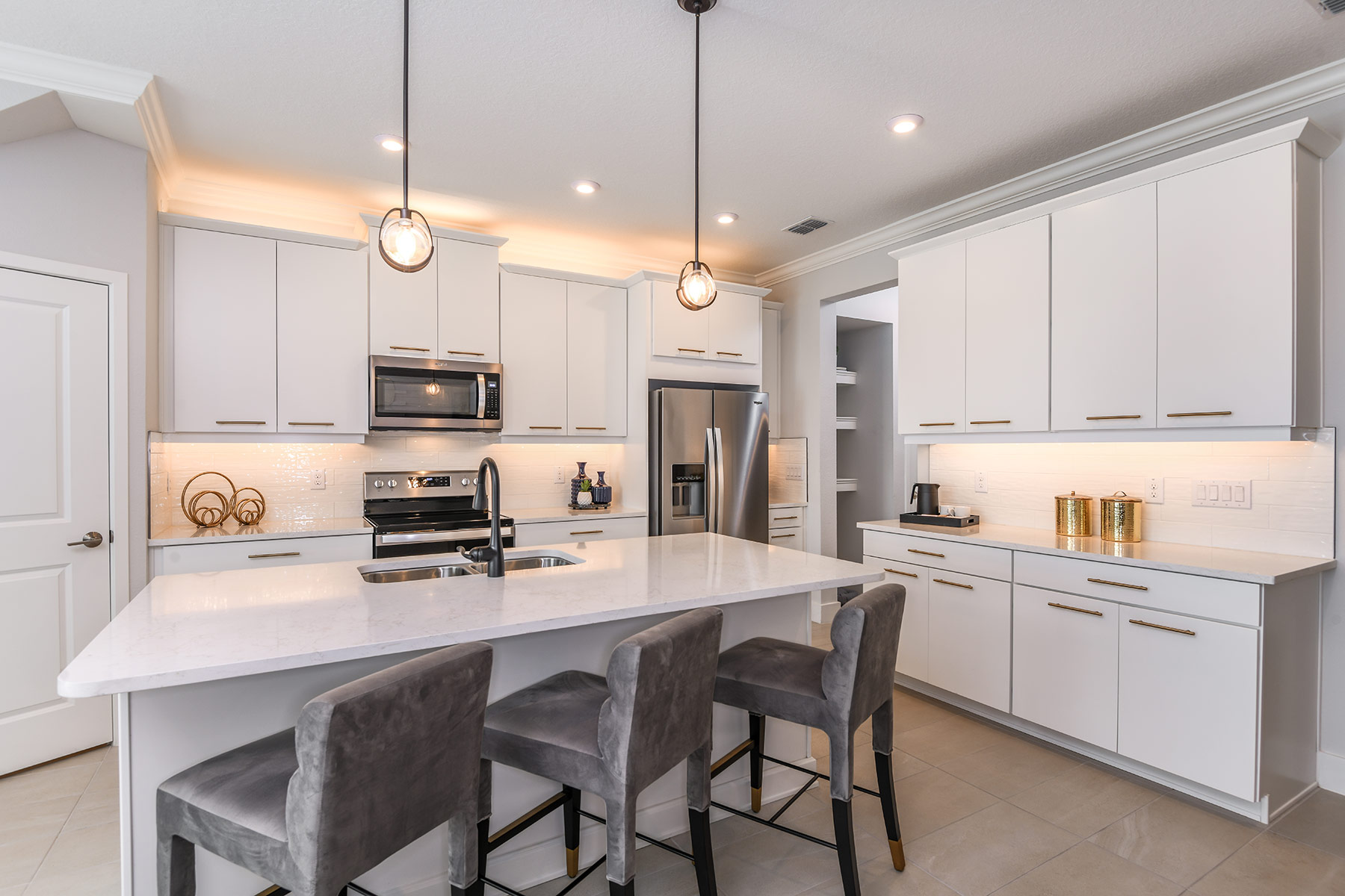 Marianna Plan Kitchen at Parkview at Long Lake Ranch in Lutz Florida by Mattamy Homes