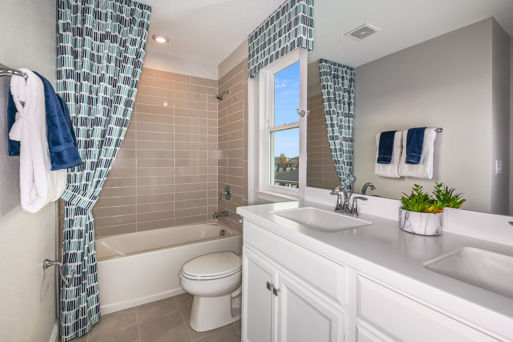 Venice Plan Bath at Parkview at Long Lake Ranch in Lutz Florida by Mattamy Homes